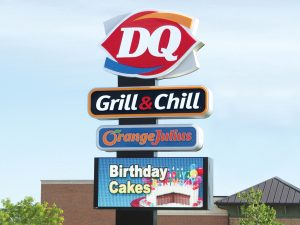 Greenville Lighted Signs 0092 Dairy Queen Bendsen Sign Graphics W 19mm 80x176 Bloomington IL 101718 1 300x225